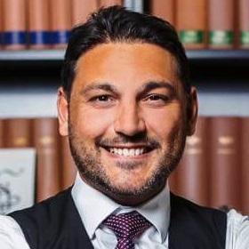 Avukat Yener Yendi